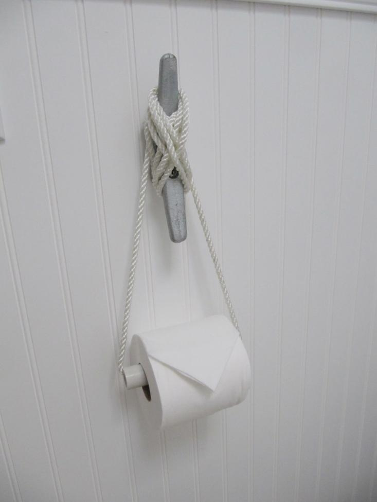 DIY: Nautical Cleat as Toilet Roll Holder