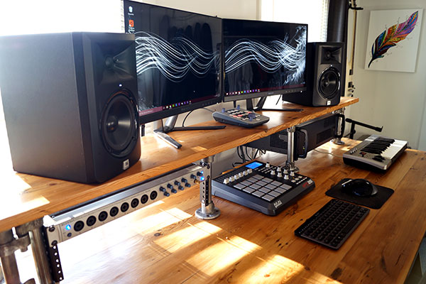 reclaimed-wood-studio-desk-002
